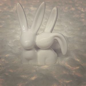 Two Bunnies Ring Holder White